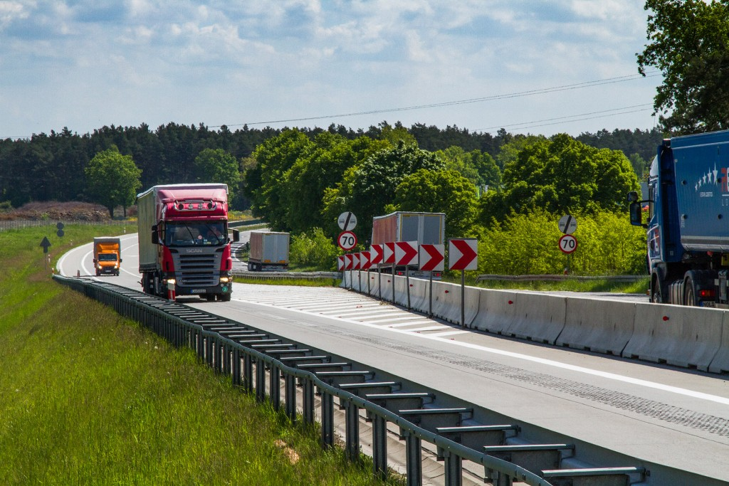 Invest: road network in poland